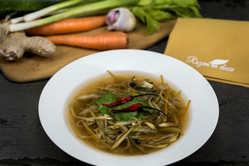 Orientalna zupa warzywna