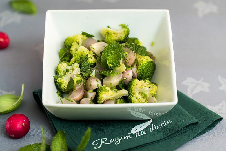 Brokuły i rzodkiewki na gorąco
