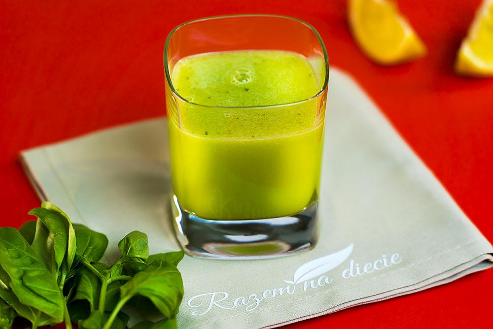 Orzeźwiający sok z ziołową nutą